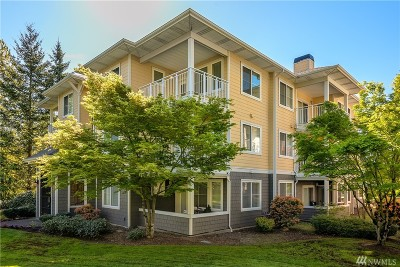 Sammamish Condo/Townhouse For Sale: 560 225th Lane NE #B303
