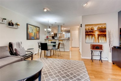 Kent Condo/Townhouse For Sale: 10648 SE 254th Place #I3