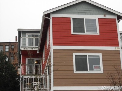 Tacoma Condo/Townhouse For Sale: 220 Broadway #11