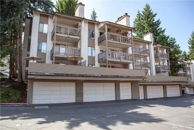 Bellevue Condo/Townhouse For Sale: 10410 NE 32nd Place #D104