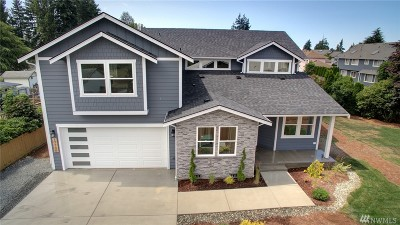 Lynnwood Single Family Home For Sale: 17700 Spruce Wy