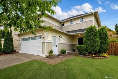 Renton Single Family Home For Sale: 100 Glennwood Place NE