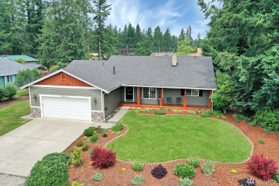 Maple Valley Single Family Home Contingent: 19922 SE 242nd Place