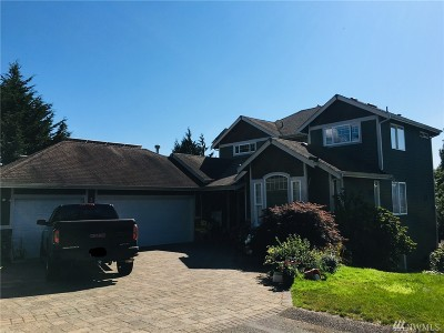 Renton Single Family Home For Sale: 2411 NE 14th St