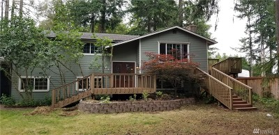 Mason County Single Family Home Pending Inspection: 61 NE Rainbow Place S