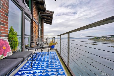 Seattle Condo/Townhouse For Sale: 3717 Beach Dr SW #317