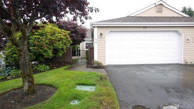 Tacoma Condo/Townhouse For Sale: 2536 N Narrows Dr #11