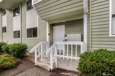 Issaquah Condo/Townhouse For Sale: 210 SW Clark St #A103