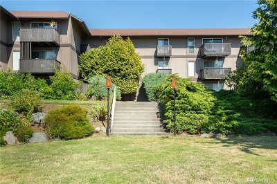 Renton Condo/Townhouse For Sale: 1425 S Puget Dr #A-4