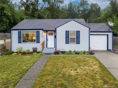 Renton Single Family Home Contingent: 3210 SE 5th St