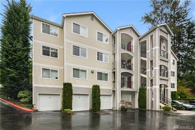 Bothell Condo/Townhouse For Sale: 10721 Valley View Rd #B201