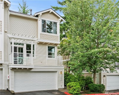 Bothell Condo/Townhouse For Sale: 11827 NE 167th Ct