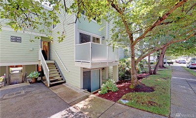 Seattle Condo/Townhouse For Sale: 8800 20th Ave NE #B206