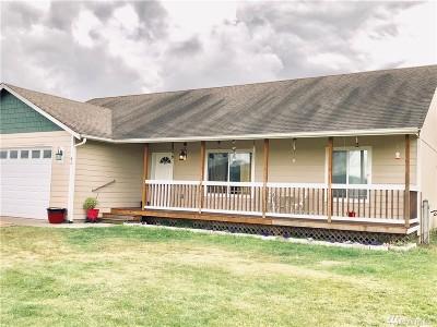 Oakville Single Family Home For Sale: 42 Shorthorn Lane