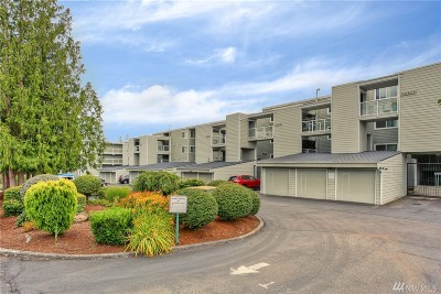 King County Condo/Townhouse For Sale: 22211 6th Ave S #104