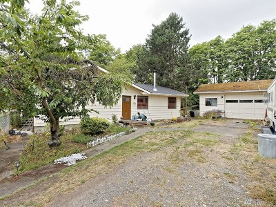 Oak Harbor Single Family Home For Sale: 541 Basil Rd