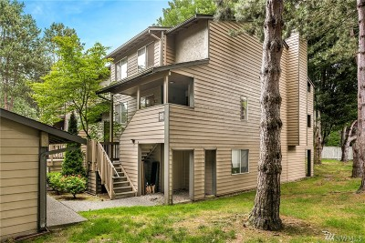 Issaquah Condo/Townhouse For Sale: 170 Newport Wy NW #D36