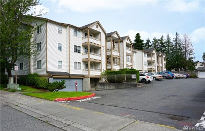 Renton Condo/Townhouse For Sale: 10824 SE 170th St #A306
