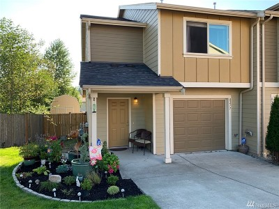 Snohomish County Condo/Townhouse For Sale: 8277 42nd Place NE