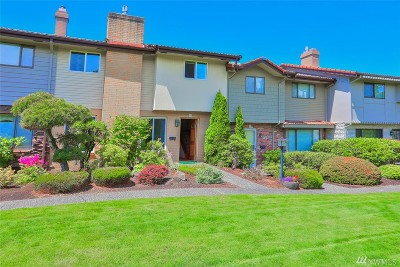 Shoreline Condo/Townhouse For Sale: 1525 NW 195th St #22