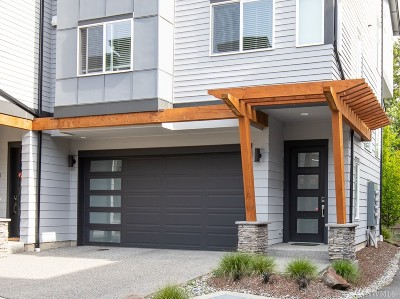 Lynnwood Single Family Home For Sale: 19225 Damson Rd #G-4