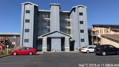 Grays Harbor County Condo/Townhouse Pending: 1307 Ocean Shores Blvd SW #N21