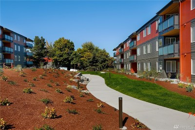 Seattle Condo/Townhouse For Sale: 5818 NE 70th St #A210