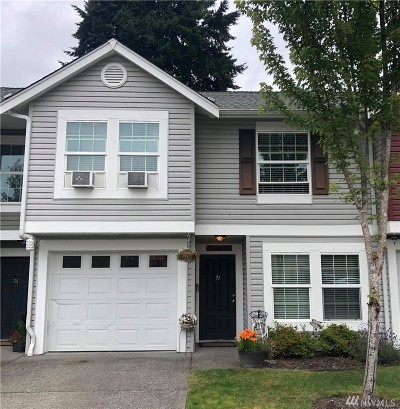 Puyallup Condo/Townhouse For Sale: 10520 140th St Ct E #39