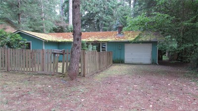 Pierce County Single Family Home For Sale: 14623 Englewood Dr NW