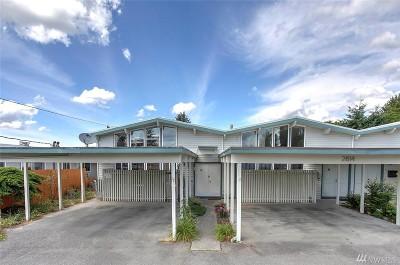 Condo/Townhouse For Sale: 2814 NE 8th St #A