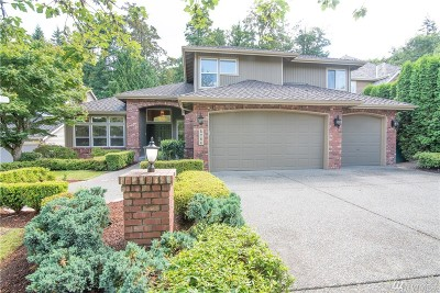 Issaquah Single Family Home For Sale: 5784 NW Lac Lehman Dr