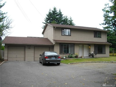 Everett Multi Family Home For Sale: 6329 Highland Dr SE #A&B