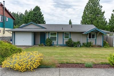 Single Family Home For Sale: 1415 Iris Lane