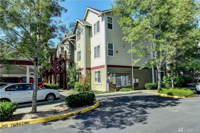 Everett Condo/Townhouse For Sale: 13000 Admiralty Way #D203