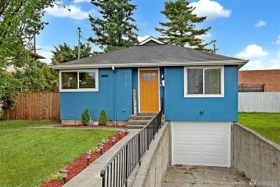 Everett Single Family Home For Sale: 2228 Pine St