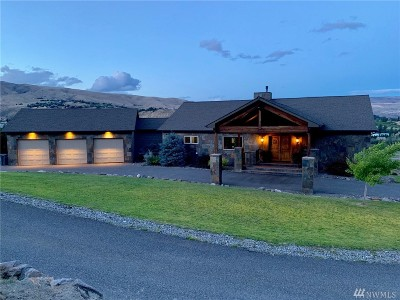 Wenatchee Single Family Home For Sale: 2895 Scenic View Dr