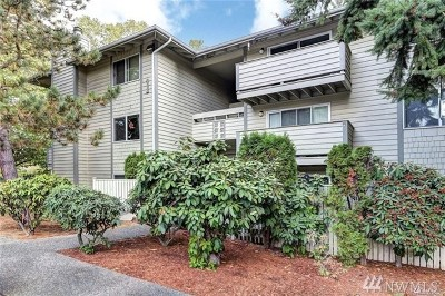 Renton Condo/Townhouse For Sale: 1150 Sunset Blvd NE #104