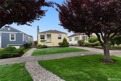 Seattle Single Family Home For Sale: 3034 Belvidere Ave SW