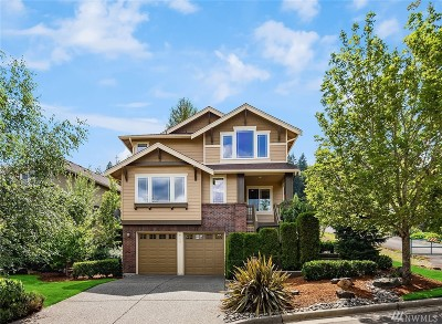 Issaquah Single Family Home For Sale: 915 Bear Ridge Ct NW
