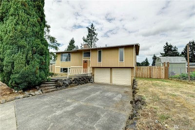 Spanaway Single Family Home For Sale: 909 195th St Ct E