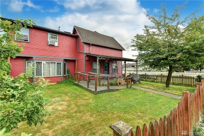 Everett Single Family Home For Sale: 2531 Chestnut St