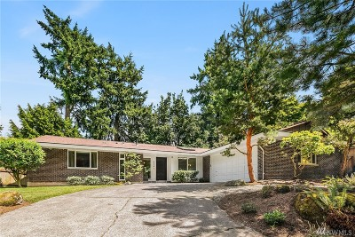 Mercer Island Single Family Home For Sale: 8441 SE 33rd Place
