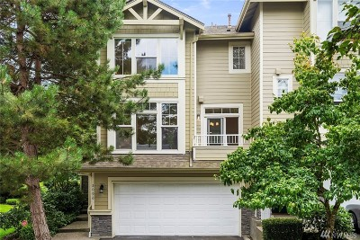 Issaquah Condo/Townhouse For Sale: 2096 Newport Wy NW
