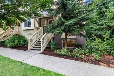 Issaquah Condo/Townhouse For Sale: 340 Shangrila Wy NW