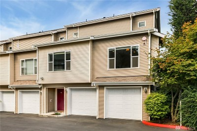 Kenmore Condo/Townhouse For Sale: 7121 NE 175th St #101