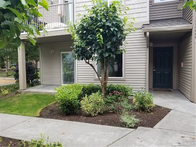 Renton Condo/Townhouse For Sale: 15325 SE 155th Place #D-1