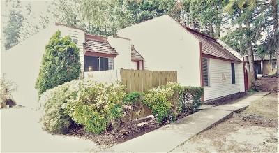 Renton Condo/Townhouse For Sale: 14600 SE 176th St #J3