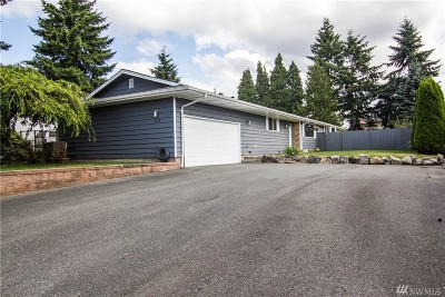 Everett Single Family Home For Sale: 1110 Cascade Dr