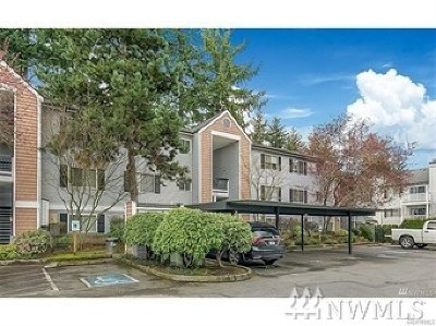 Bellevue WA Condo/Townhouse For Sale: $429,800