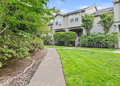 Bonney Lake Condo/Townhouse For Sale: 9014 Main St E #B108